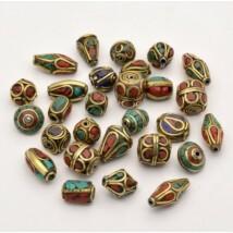 Egyedi díszítésű tibeti medál 5 db/csomag