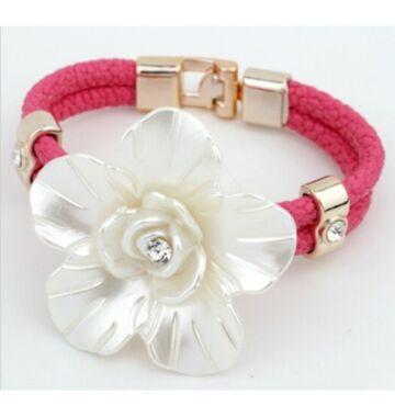 Pink bőr karkötő óriás virággal