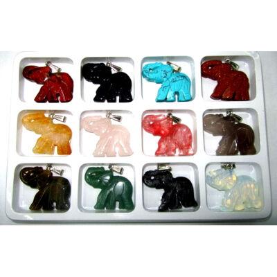 Elefánt formájú ásvány medál