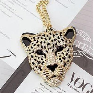 Leopard fej aranyozott kristály nyaklanc