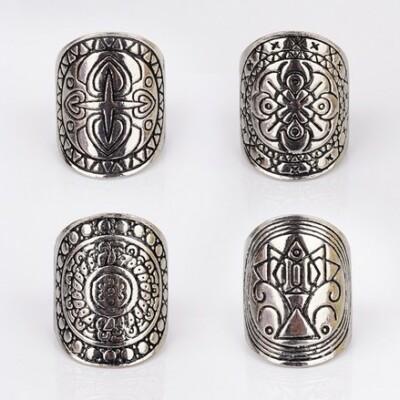Egyedi díszítésű tibeti gyűrű