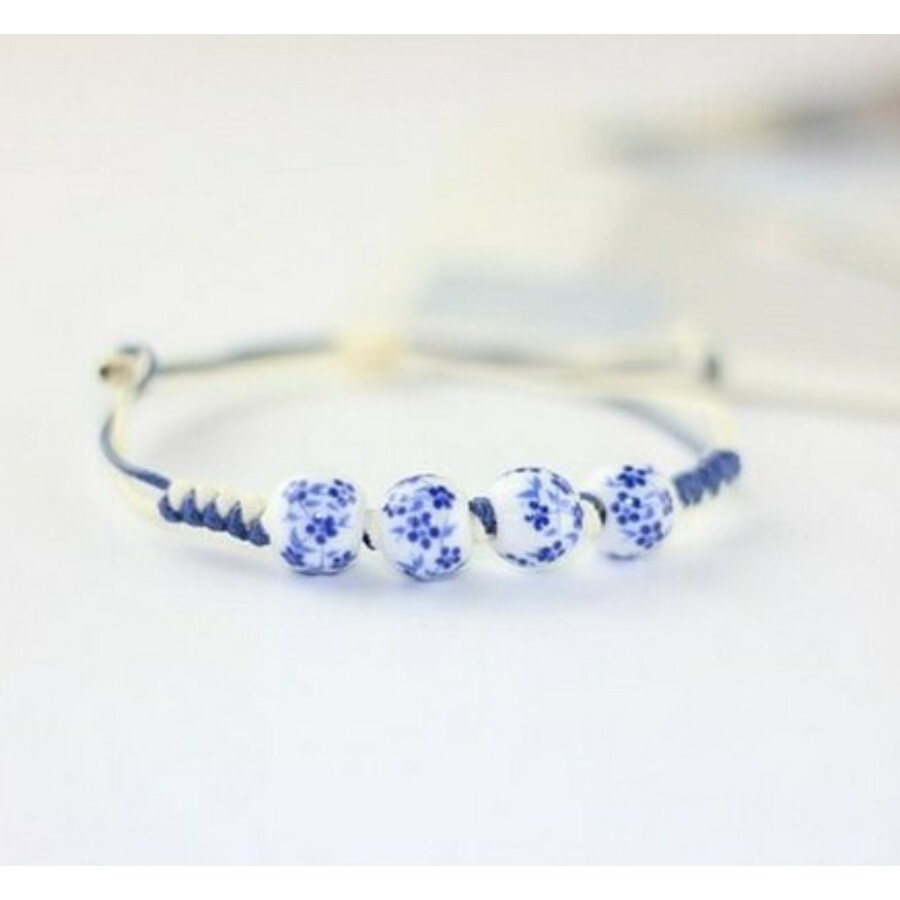 Kék virágmintás porcelán karkötő