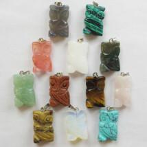 Bagoly formájú ásvány medál