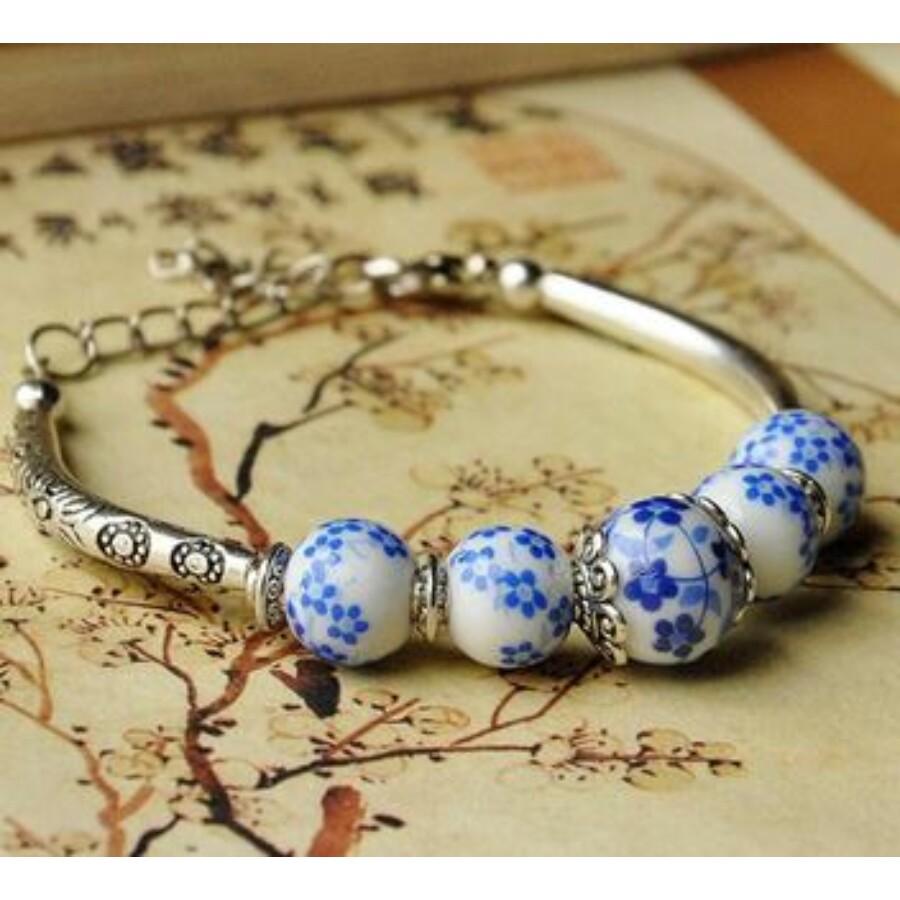 Kék virágos porcelán karkötő