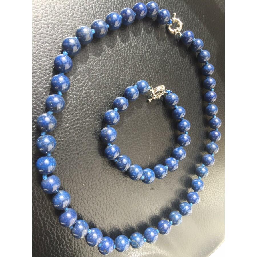 Kék gyöngyből álló karkötő és nyaklánc szett