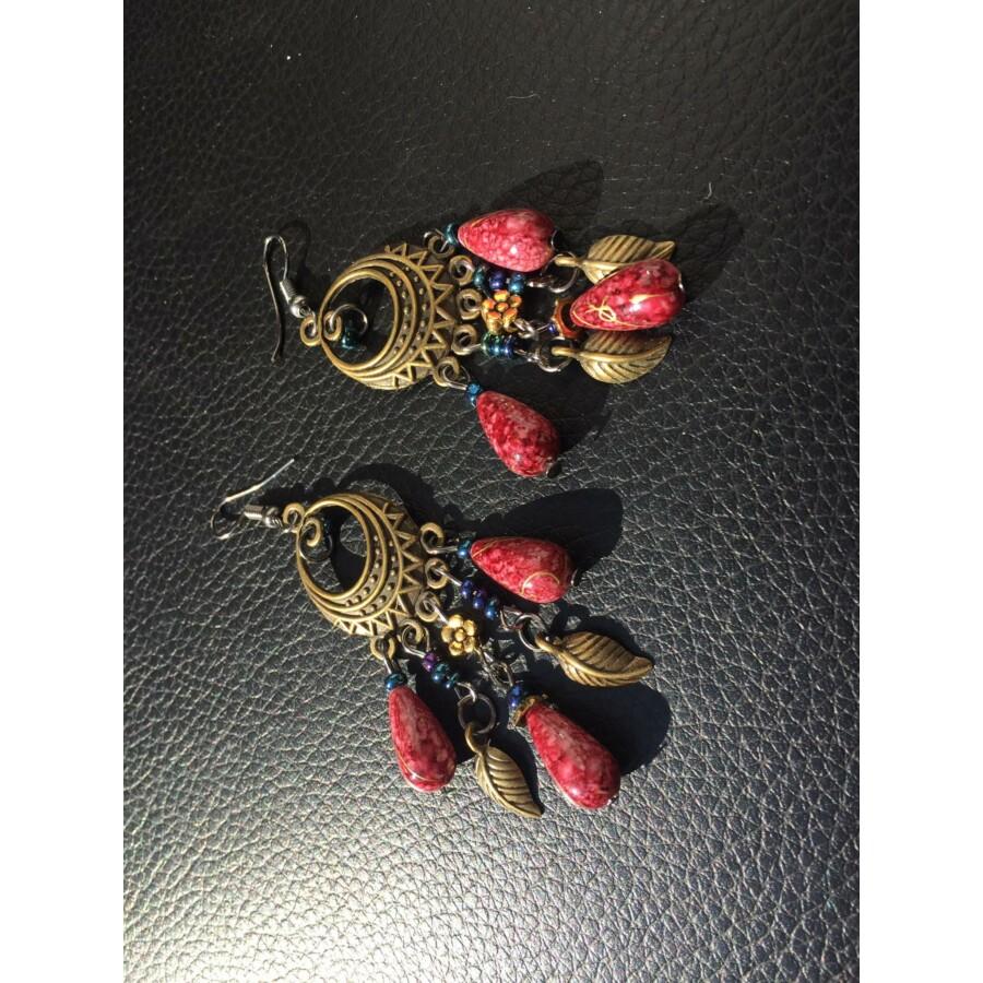 Csepp alakú fülbevaló bordó színben
