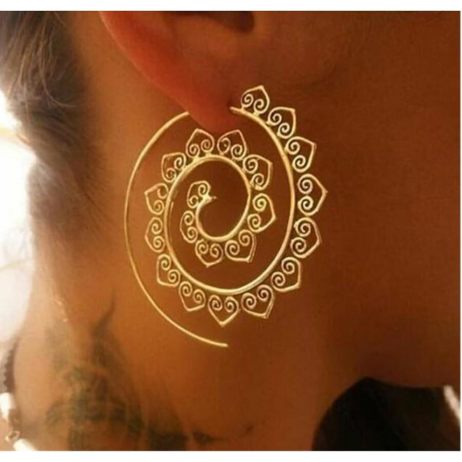 Fülbevaló arany színű