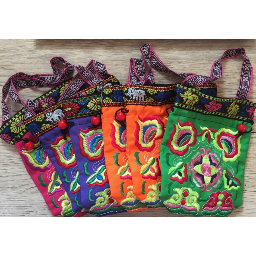 Indiai hímzett táska zöld